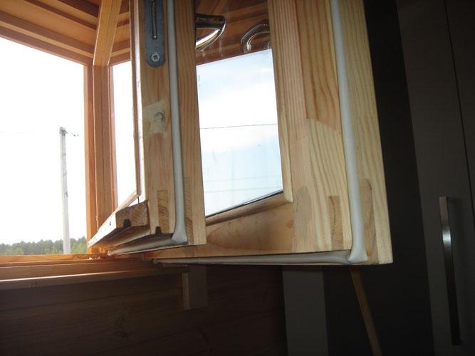 как утеплить окна деревянные
