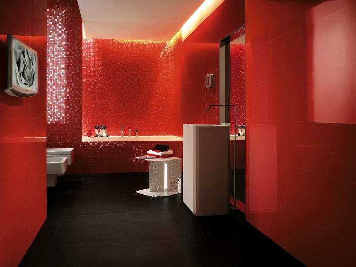 красные обои для стен